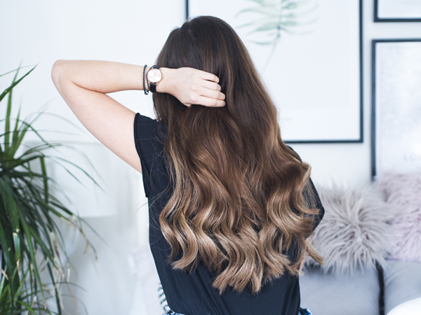 How to remove tape in hair extensions at home